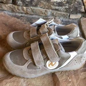 NEW Naturino Velcro sneakers, size 30 (12.5'ish).